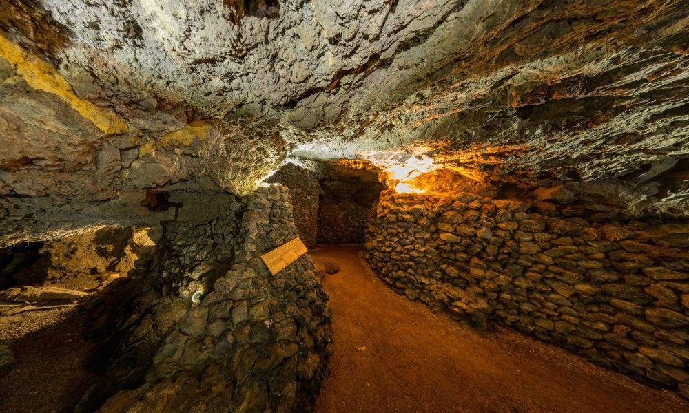 Vulkanröhre Cueva del Viento; befindet sich bei Icod de los Vinos im Norden Teneriffe